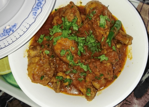 Easy Chicken Curry Pakistani Food Recipe (With Video)