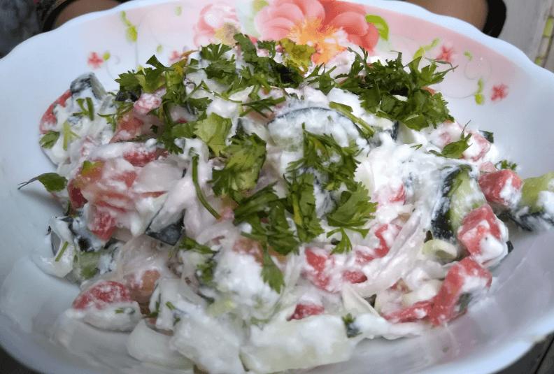 Yogurt Salad Pakistani Food Recipe (With Video)