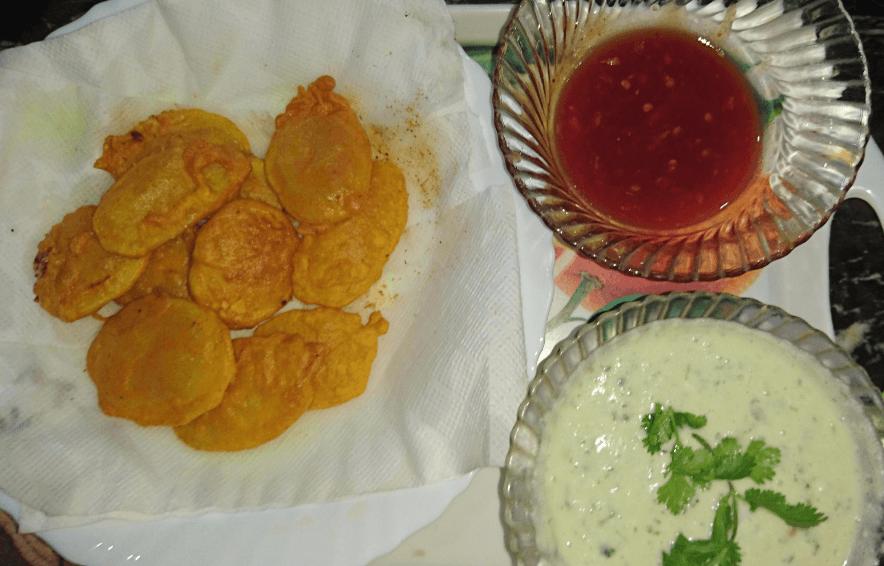 Delicious Aloo Ki Kachori Pakistani Food Recipe (With Video)