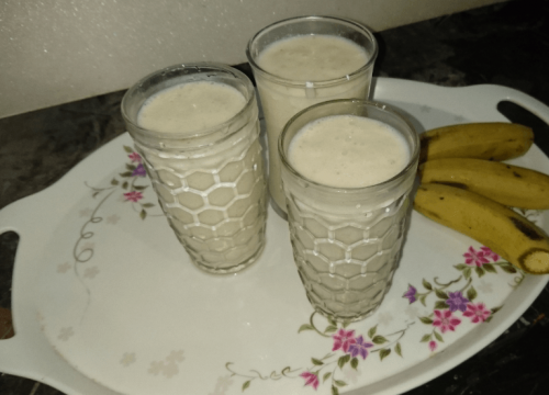 Banana Shake Pakistani Food Recipe (With Video)