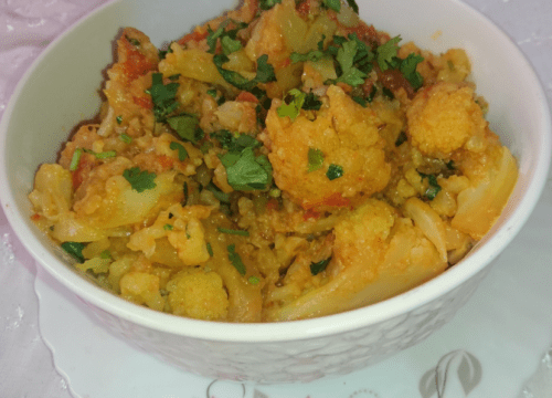 Delicious Gobi Curry Pakistani Food Recipe (With Video)