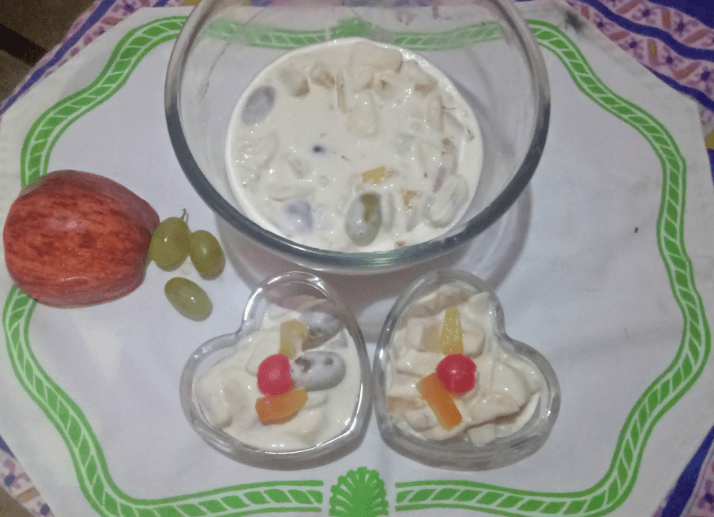 Tasty Creamy Fruit Dessert Pakistani Food Recipe (With Video)