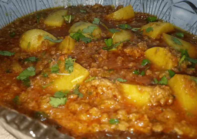Tasty Aloo Keema Pakistani Food Recipe (With Video)