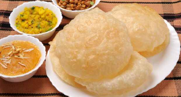 Perfect Poori Pakistani Food Recipe (With Video)