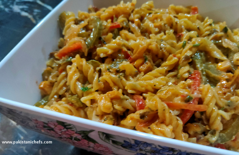 Vegetable Cheese Macaroni Pakistani Food Recipe (With Video)