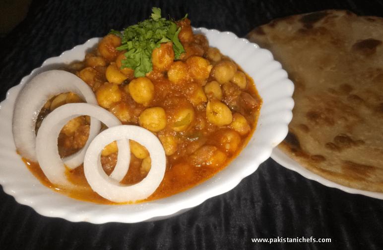 Tasty Channa Masala Gravy Pakistani Food Recipe (With Video)