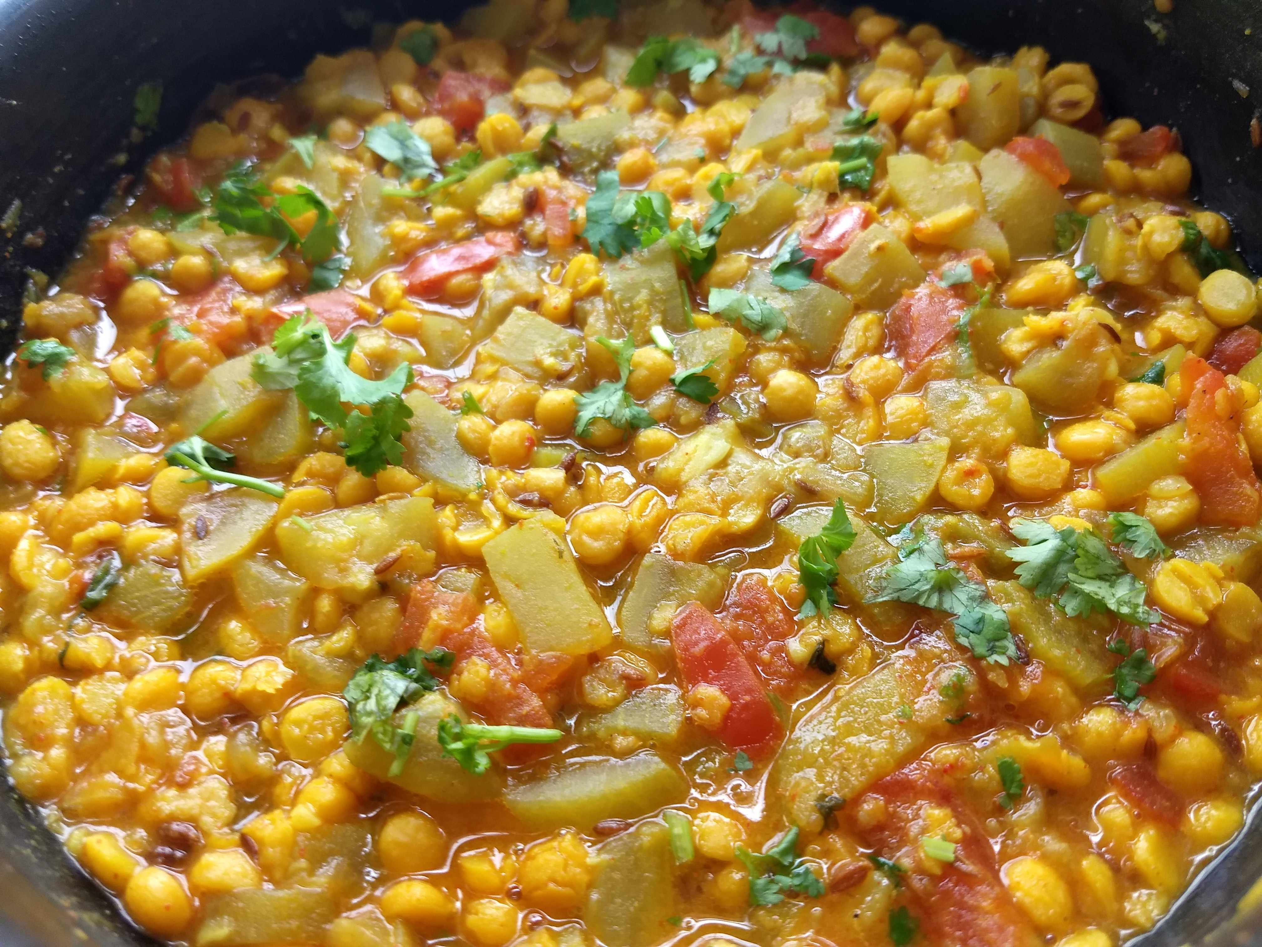 Delicious Chana Dal With Lauki Sabzi Pakistani Food Recipe: